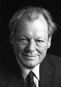 200px-Bundesarchiv B 145 Bild-F057884-0009 Willy Brandt